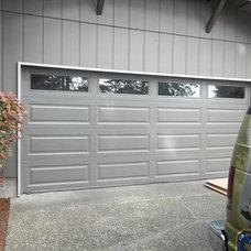 Traditional Garage Doors by Distribudoors