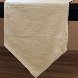 Chic Jacquard Table Runner (Beige) - Gorgeous jacquard table runner features whimsical yet elegant design for a practical yet luxurious look for your table.