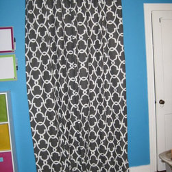 Shower Curtains - Flat chainlink shower curtain w/clip rings