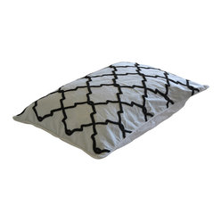 Crewel Pillow Irongate Black on White Cotton Duck Standard (20x26)