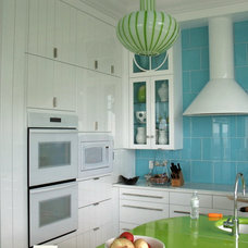 Beach Style Kitchen by AlliKristé Custom Cabinetry and Kitchen Design