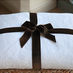 None - Authentic Hotel and Spa Plush Turkish Cotton  Bath Sheet - Treat yourself to a spa-like experience every time you step out of the shower with this white cotton bath towel. This extra-large towel will envelop your body with a luxurious soft touch as its thirsty material absorbs the water off your skin.