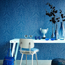 Luz - A modern decor idea with a designer wallpaper in a vivid blue palette. Contemporary damask with shimmering details