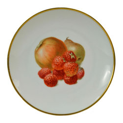 Thomas Bavaria on base - Consigned 6 Porcelain Dessert Plates with Fruits - Cheerful dessert set of 6 plates in porcelain decoarted with various fruits and gilded border by Thomas Bavaria; antique German , early 20th century.