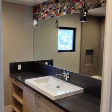 Modern Bathroom by Streamline Development