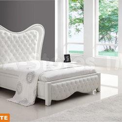 Kenza White 5 PC Bedroom Set (Bed, 2 Nightstands, Dresser and Mirror) -