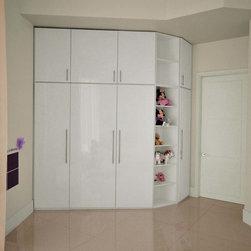Modern Custom Closets -