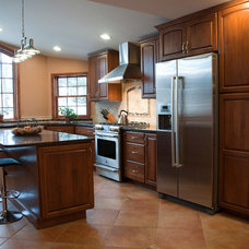 Traditional  by Competitive Kitchen Designs, Inc.