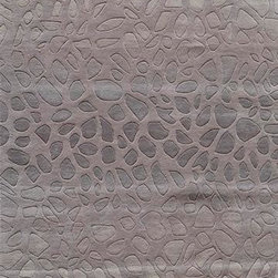 Momeni - Momeni Delhi DL-33 5' x 8' Silver Rug - Delhi is exquisitely hand tufted and hand carved by Momeni's master craftsmen. Made in In dia from 100% wool, the simplicity, elegance and beauty of this fine collection is particularly note worthy.