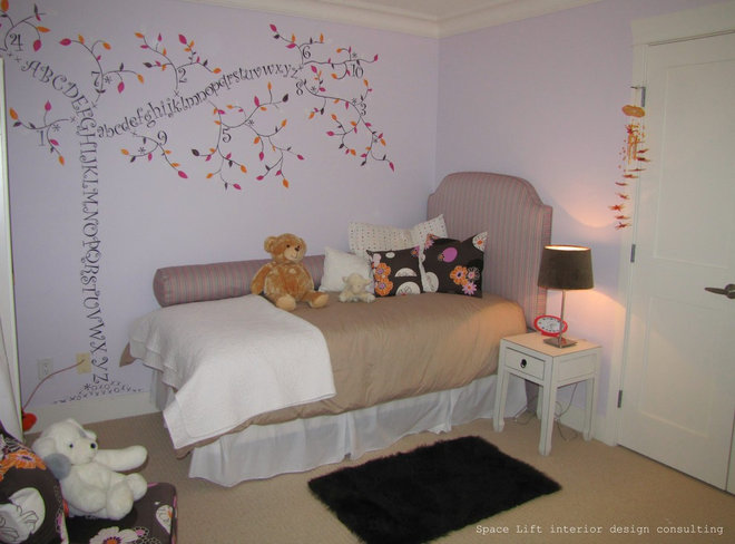 Traditional Kids by Spacelift Interior Design Consulting