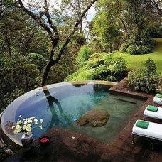 Tropical  Amazing Hot Tub