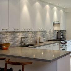 Modern Kitchen by Gillian Gillies Interiors (GGI)