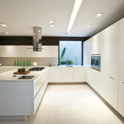 Silestone White Zeus Extreme - Silestone White Zeus Extreme contemporary L shaped Kitchen