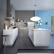 Modern Kitchen Cabinetry by LEICHT New York / LEICHT Westchester
