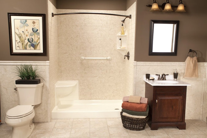 Modern Showers by Improveit! Home Remodeling