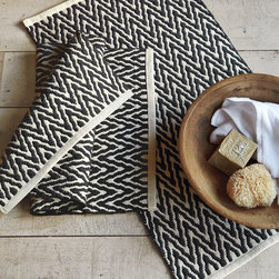 Zigzag Bath Mat - There's something very traditional about this zigzag West Elm rug that I just can't help but love.