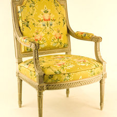 Traditional Accent Chairs Traditional Armchairs