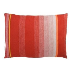 Thomas Eyck - Thomas Eyck | t.e. 036 Cushion - Dark Red - Design by Scholtens and Baijings.