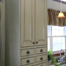 Farmhouse Kitchen Cabinets by Finewoodworks