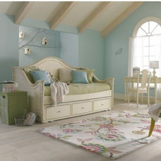 Traditional Day Beds And Chaises by Hayneedle
