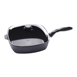 Swiss Diamond - Swiss Diamond Nonstick 8-by-8-Inch Covered Square Sauté Pan - If you don't have a hoard to cook for, this covered square sauté pan will probably be your go-to pan for everything. The clear, vented lid allows you to retain moisture for steaming vegetables or release it to let moisture out. Dinner is served.