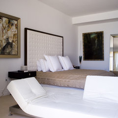 modern bedroom by Pepe Calderin Design- Miami Modern Interior Design