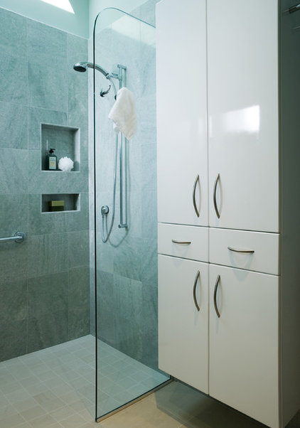 Modern  by Harrell Remodeling