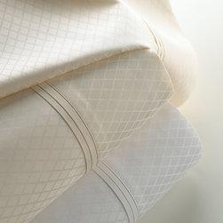 Matouk - Marcus Collection Diamond Jacquard Sateen Sheet Set Queen - WHITE - MatoukMarcus Collection Diamond Jacquard Sateen Sheet Set Queen