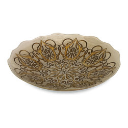 iMax - Talbot Glass Bowl - Perfect for any occasion, the Talbot glass serving bowl is food safe and can be used to serve a favorite dish or to display a variety of materials.