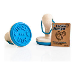 Suck UK - Cookie Stampers, I Love You (Blue) - In an age where we buy everything from hot chickens to frozen yoghurt at the supermarket, it can be refreshing to explore the home baking aisle and go home ready to make your own cookies. Take a stand against profit-driven global expansion: Bake your own biscuits ... mark them with the HOME MADE Cookie Stamper!