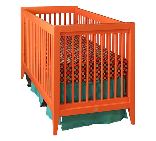 Newport Cottages - Devon Crib - Sometimes, the simplest things in life are also the most memorable. The Devon crib definitely fits into this category, with its clean and uncluttered minimalistic structure. Simple, yes, but simply perfect for your nursery.