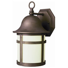 outdoor lighting by Lightology
