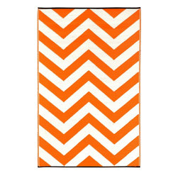 Fab Habitat - Indoor-Outdoor Laguna Rug, Orange Peel and White - Punch up any space — indoors or out — with the eye-popping pattern and juicy hue of this remarkable rug. Ingeniously woven from recycled plastic, it's lightweight, mildew-proof and a snap to clean: Just shake or hose off.