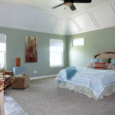 Traditional Bedroom by Homes Staged Right By LJ