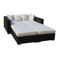 East End Imports - Palisades Outdoor Rattan Daybed 4-Piece Set - Rejoice in the splendor of a completely formed outdoor bedding environment. View from afar as you silently take in the sights and sounds around you for proper effect. Make your initial movements toward transformation with this splendid flowing piece of absolution and resolve.