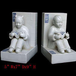 Pair Chinese Porcelain Boy&Girl Book End Display - This is a pair of book end which is made of porcelain.