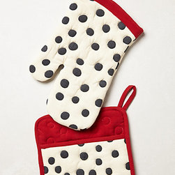 Polka Dotted Pot Holders - Get your baking on with these adorable polka dot oven mitts.