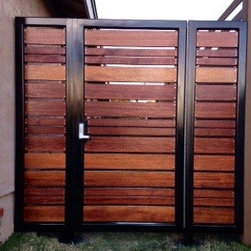 Affinityfencegate.com - Affinity fence gate - Modern horizontal style hardwood entry gate with welded steel frame