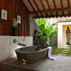 Tropical Bathroom by DI homes