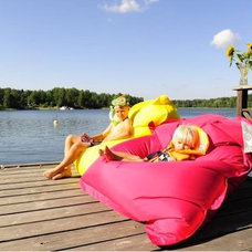 Modern Outdoor Lounge Chairs by Loopee Design