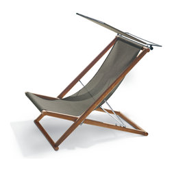"""Roda Orson 006 Deck Chair - Inspired by the '50s and '60s Scandinavian furniture designs, Road Collection designed by Rodolfo Dordoni combine design and handcrafting, tradition and technology, have been combined into an innovative project that reminds one of nature and where the teak is a protagonist. Road is a collection for outdoors, composed of chairs, armchairs and modular sofas where seats are made from a stretched net anchored to a """"clean"""" teak structure, with an essential but very comfortable shape. Road is a transversal and flexible collection, which fits in every background, suitable both for indoor and outdoor."""