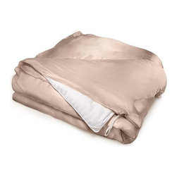 Aus Vio King/CAL King Pebble Luxury Hypoallergenic 100% Silk Duvet Cover - Aus Vio Logo 19 momme duvet covers are crafted from 100% silk charmeuse, and  create an unparalleled sense of luxury and comfort. The Aus Vio  charmeuse duvet covers naturally have the ability to provide yearlong  temperature control with the charmeuse silk's breathability. This in  turn creates warmth during the cold winter months, and a cooler  temperature during the warm summer months. Long strand silk fibers are  used to weave the Aus Vio duvet covers, insuring durability and lighter  weight without sacrificing any of its warming or cooling abilities.  Another key feature of the Aus Vio duvet cover is that the duvet cover  is hypoallergenic. The small areas between the individual silk threads  prevent allergens from collecting in the silk duvet, which in turn  prevents the allergens from coming in contact with the skin, nose, or  eyes. Naturally occurring proteins within the silk also help skin  reabsorb moisture, keeping your skin healthy and soft        Features:- 100% silk charmeuse- Beauty benefits for skin and hair- Natural heat regulator- 19 Momme- 100% Mulberry Silk- Hypoallergenic