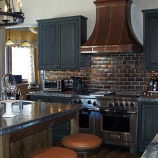 Traditional Kitchen by Dindy Foster Interiors & Associates