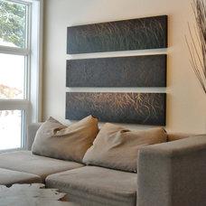 Contemporary Living Room by Ridge Studio