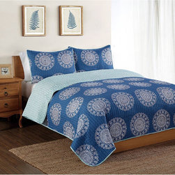 Pem America - Bella Mini Quilt Set - This microfiber printed quilt set features a bold design in trendy,chic colors. The set includes a quilt with one or two shams,all made from polyester for easy care and year-round weight.