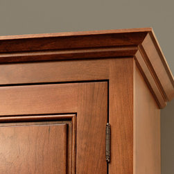 CliqStudios.com - Soffit Crown Molding - Crown molding adds a decorative furniture detail to the top of your kitchen cabinets. Decorative moldings combined with fillers and valances create a variety of design possibilities that can be used to personalize your space to your style. From under cabinet light rails to base floor trim, all molding support custom looks in your kitchen or bath.