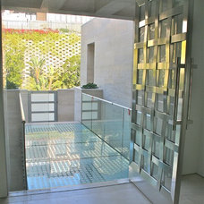 Contemporary Entry by Andrew Williams and Associates, Inc