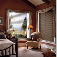 Traditional Venetian Blinds by Interior Expressions/ Nardelli Home Decor