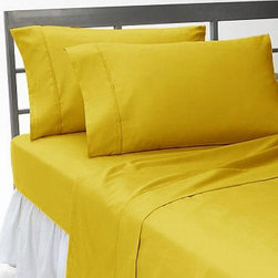 SCALA - 400TC Solid Gold Twin XL Flat Sheet & 2 Pillowcases - Redefine your everyday elegance with these luxuriously super soft Flat Sheet . This is 100% Egyptian Cotton Superior quality Flat Sheet that are truly worthy of a classy and elegant look.