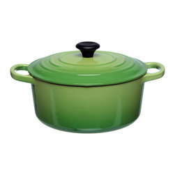 Le Creuset - Le Creuset Palm Green 3 1/2-quart Signature Round French Oven - Ideal for preparing all your favorite recipes,the Palm Signature French oven from Le Creuset features a cast iron construction with a fully enameled interior. Complete with a 3.5-quart capacity,this lidded pot is oven safe to 500 degrees Fahrenheit.